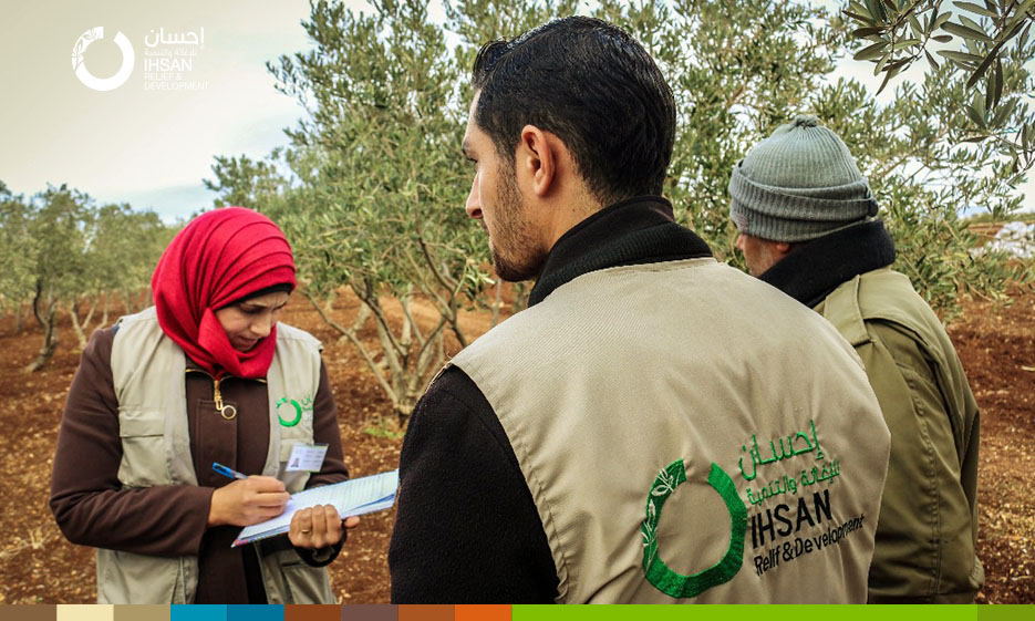 IhsanRD team carries out the verification and registration of farmers within Support Inter-Agriculture project in northern Homs countryside